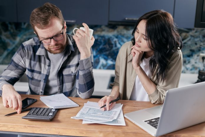 Here is more information on what debt consolidation is, how to do it, and the advantages and disadvantages of debt consolidation.